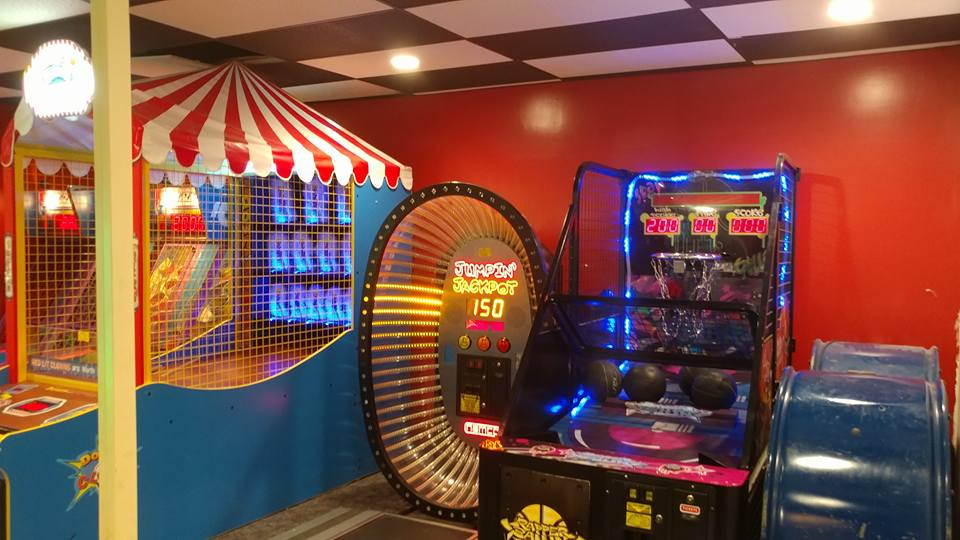 Arcade With Friends in Middletown OH | Eastern Lanes